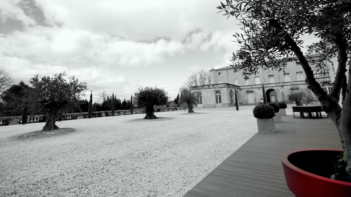Entrée du Château du Domaine Lavagnac